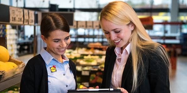 responsable régionale et responsable de magasin
